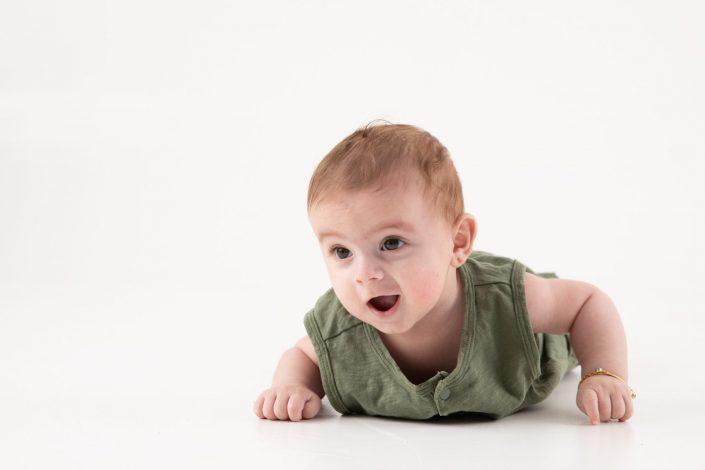 baby-krabbelnd