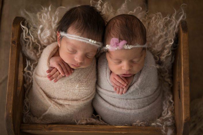 neugeborene-zwillinge