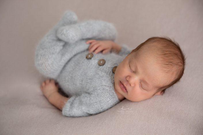 Neugeborenes-schlafend